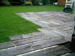 Wood effect paving